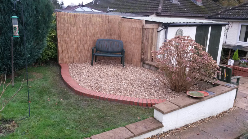 Garden Area Tidy Up and Chippings Laid